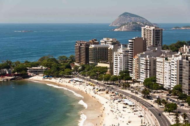 Traumhaft sonnig – Badeurlaub am Strand von Brasilien