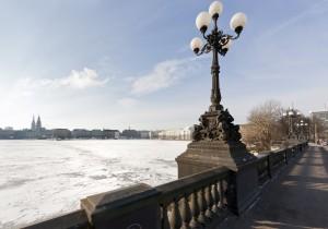 Aussicht von der Lomardsbrücke auf die Binnenalster