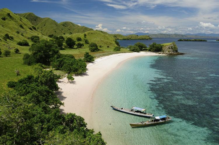 Wunderschöner Strand in Indonesien