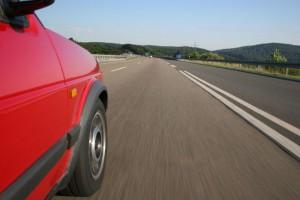 Mit dem Auto quer durch Deutschland reisen? Check-up für die Reifen